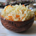 Квашеная хрустящая капуста на зиму: рецепты и советы по приготовлению