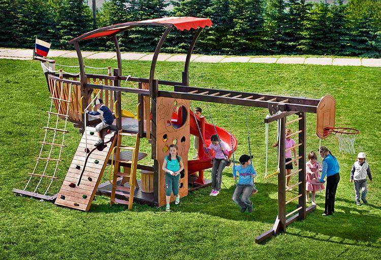 Организовываем досуг ребёнка: детские площадки для дачи
