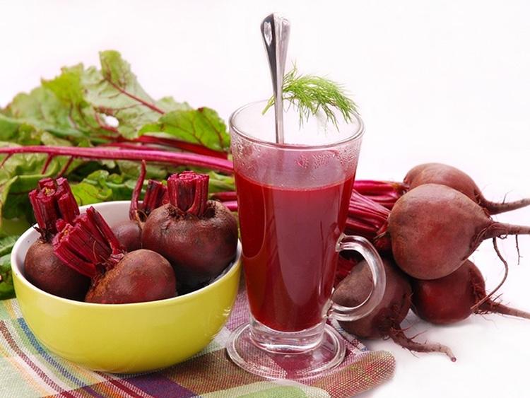 Сырая, варёная, печёная и квашеная свёкла: польза и вред для здоровья организма человека