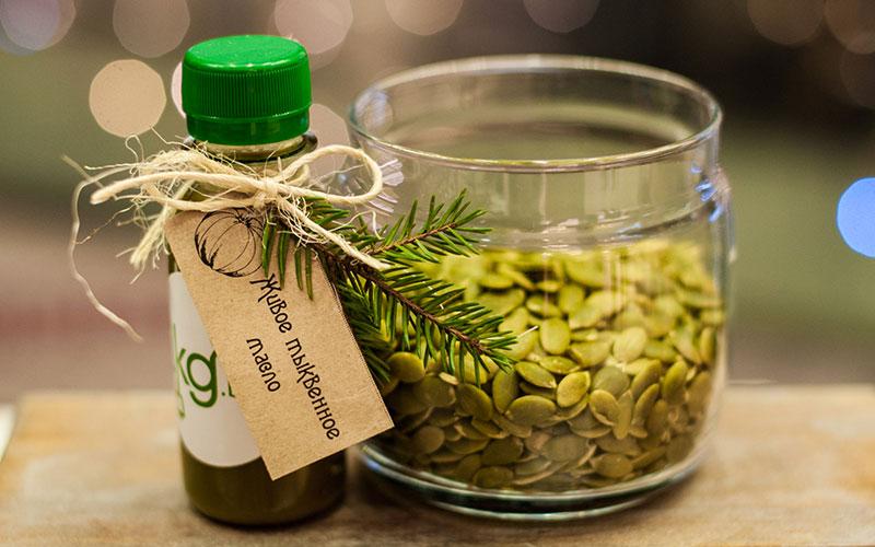 Снова здоров, или Как и для чего принимают тыквенное масло: польза и вред для организма