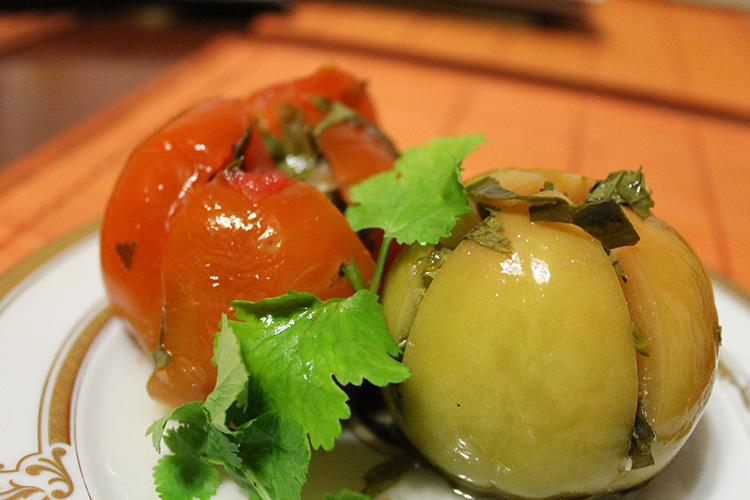 Как вкусно и просто засолить зелёные помидоры на зиму