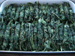 Листья зеленые, лоток