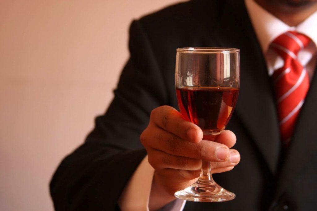 Возбуждающая настойка на красном вине
