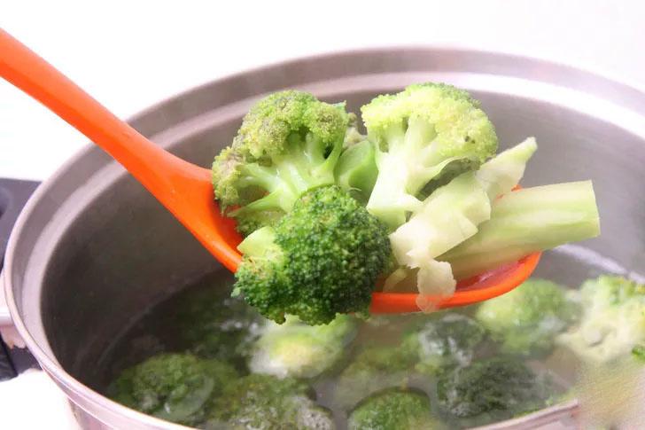 Вареная брокколи