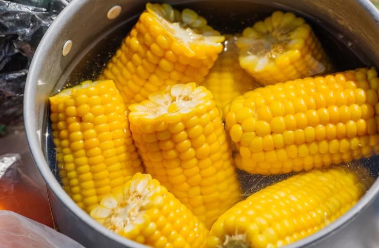 Кукуруза вареная домашняя