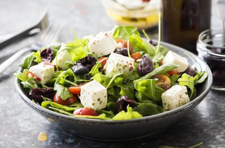 Салат из винограда