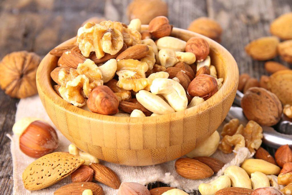 Можно ли есть орехи при гастрите: советы и противопоказания
