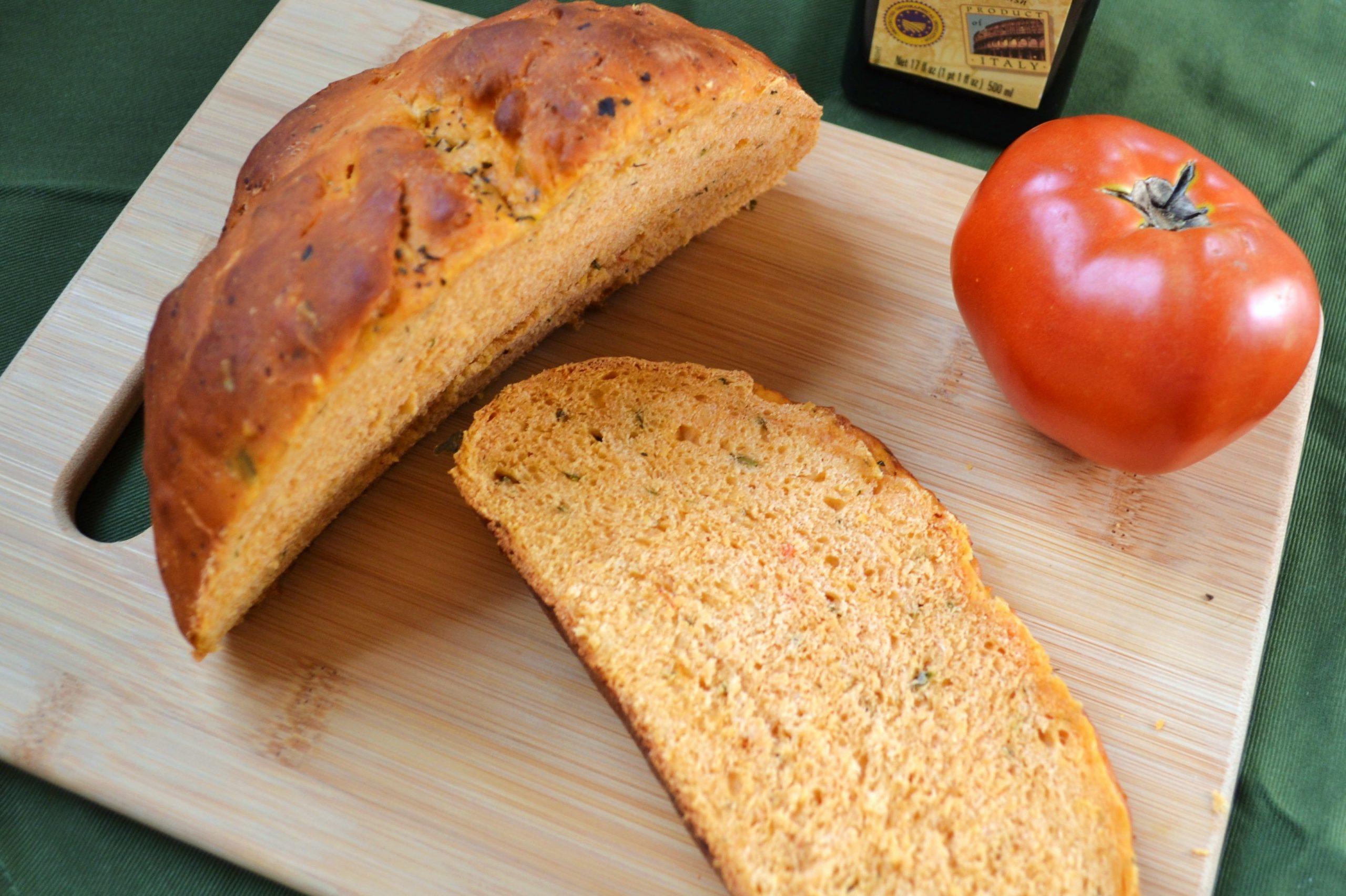 Хлеб в тандеме с помидорами