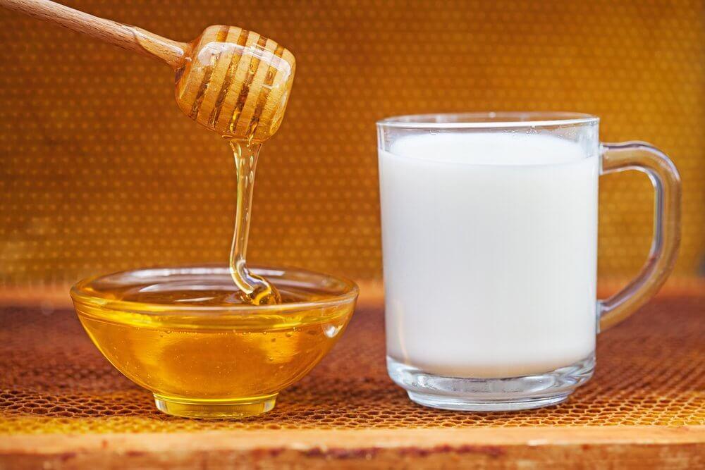 Ромашка с медом и молоком