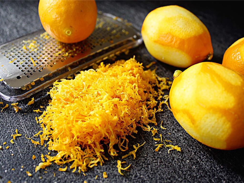 Свежая цедра лимона