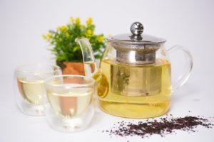 чайник, чашки, чай, желтые цветы