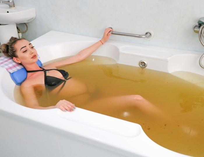 Ванна с мелиссой