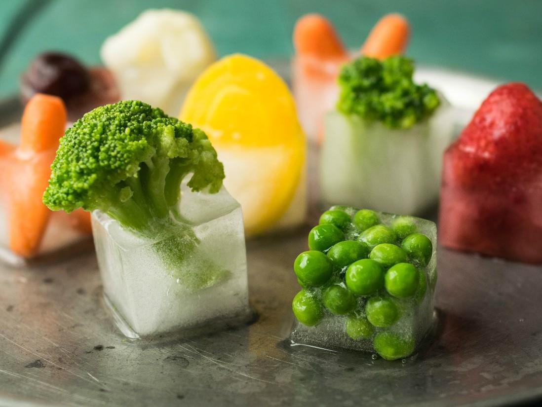 лед, овощи, стол