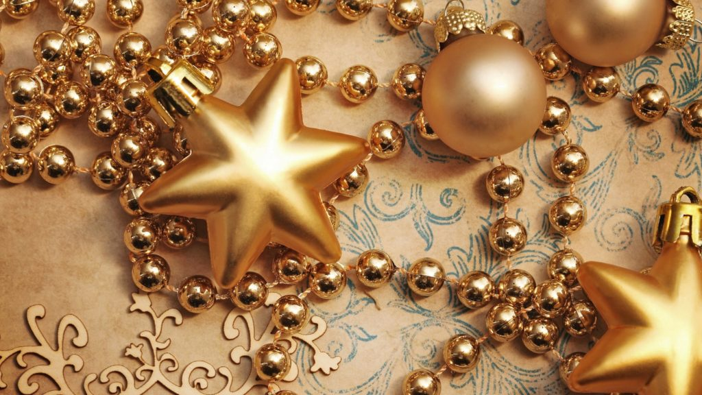 Бусины и звезды для декора