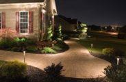 дом, зелень, фонари, тротуар