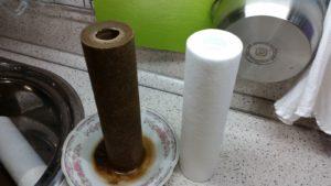 чистый и грязный фильтр для воды
