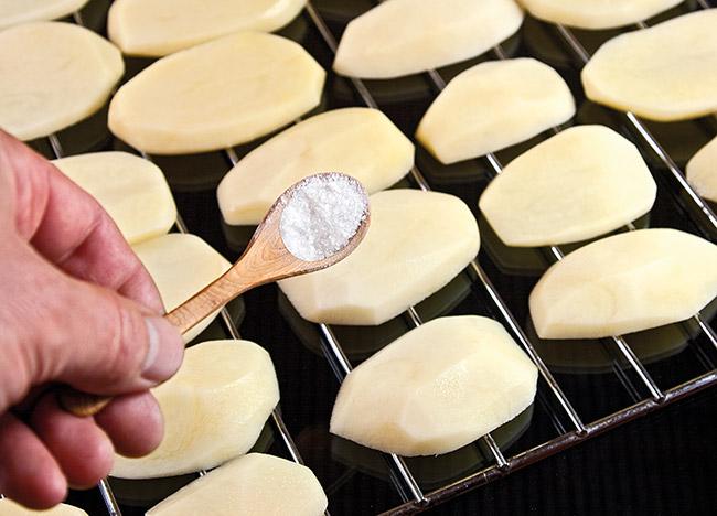 Картошка на решетке
