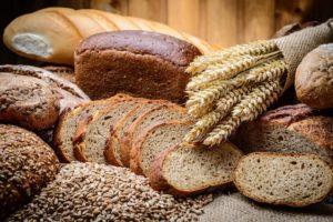 хлеб разных сортов с пшеницей