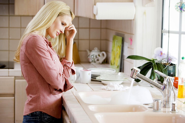 Неудобно мыть посуду