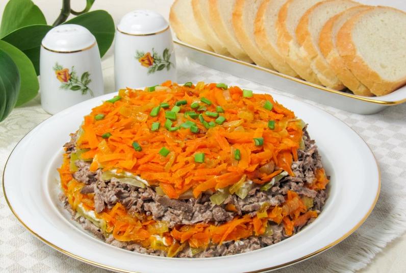Обжоркас печенью салат