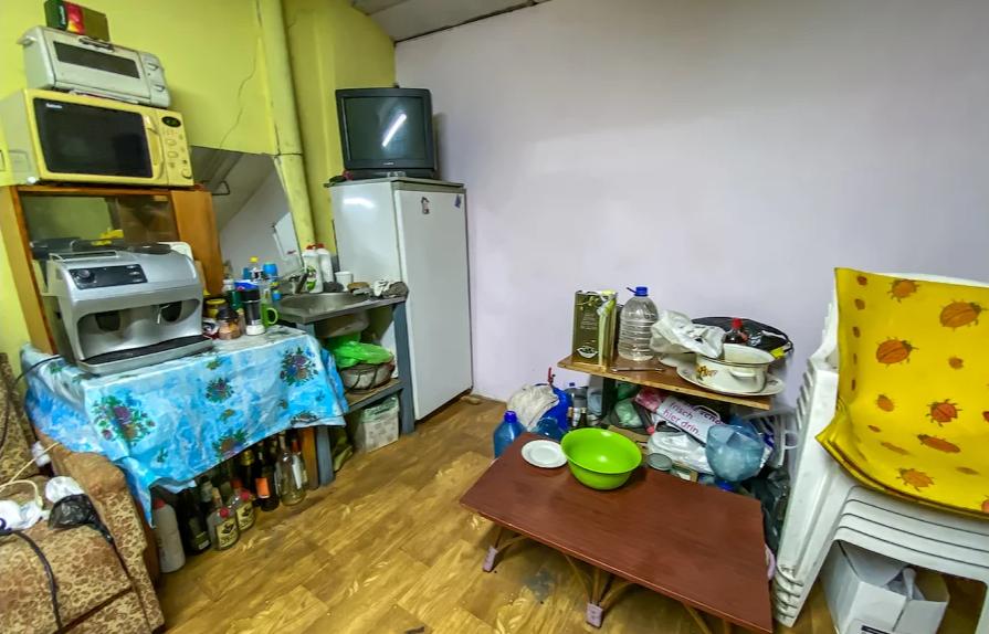 Кухня в гараже