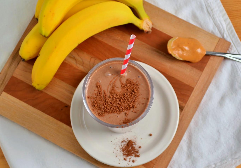 Банан с мёдом, какао и молоком