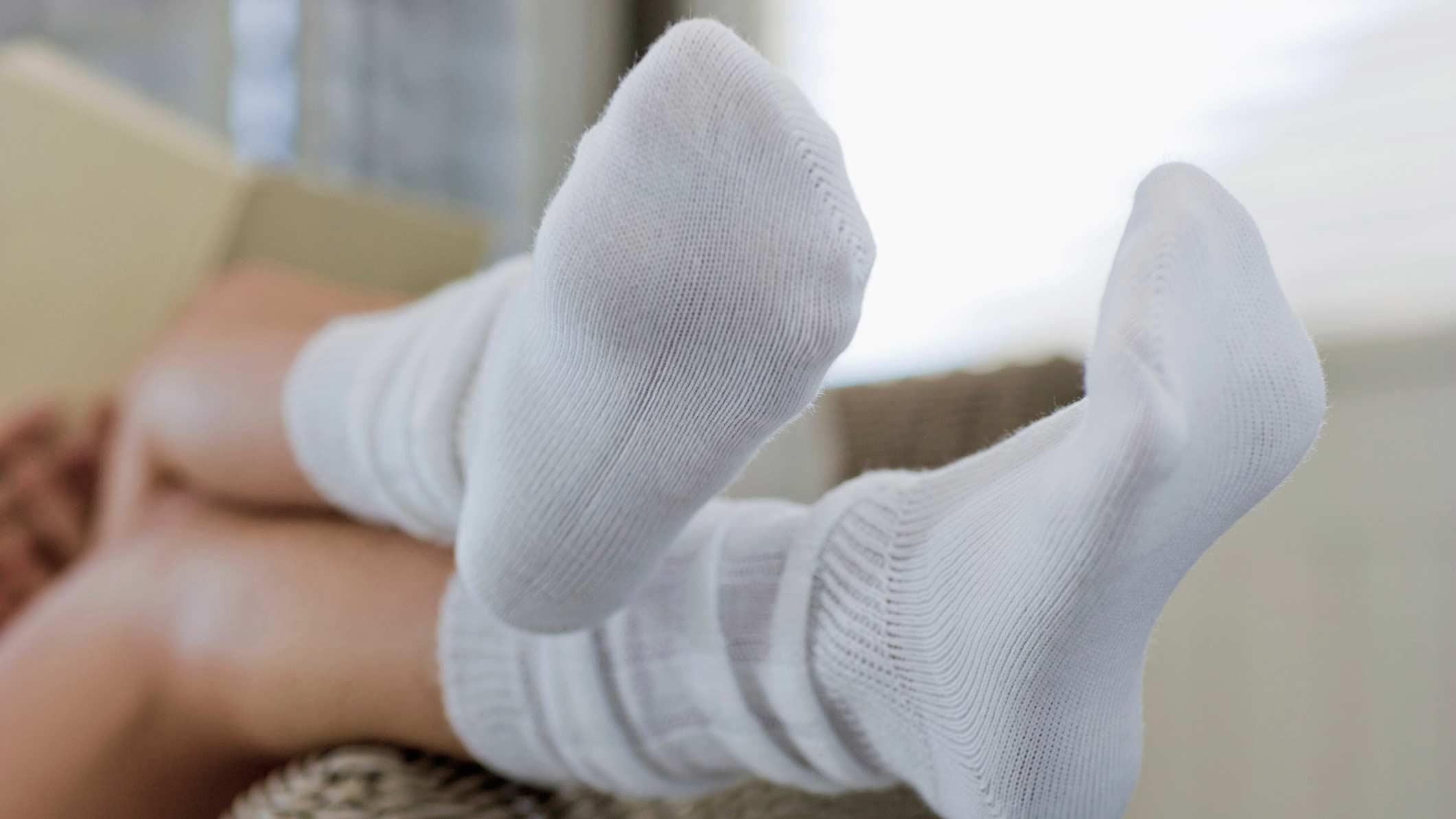 Надеваем носки
