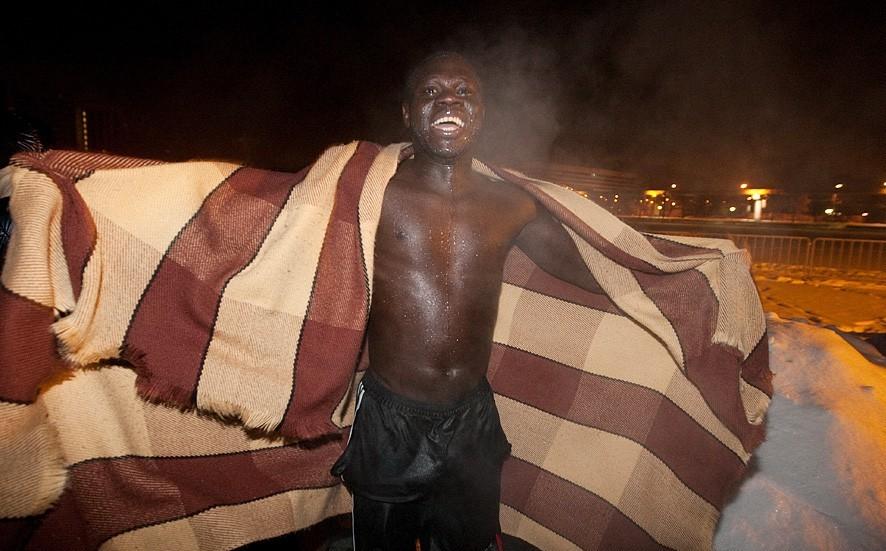 Африканец в проруби