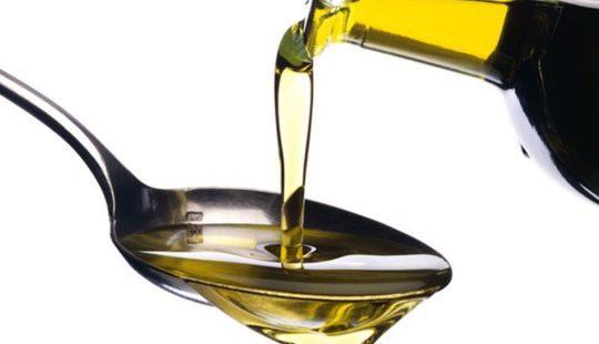 Зачем я заливаю в раковину растительное масло