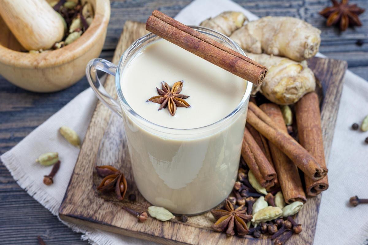 Молокос добавлением трав и специй
