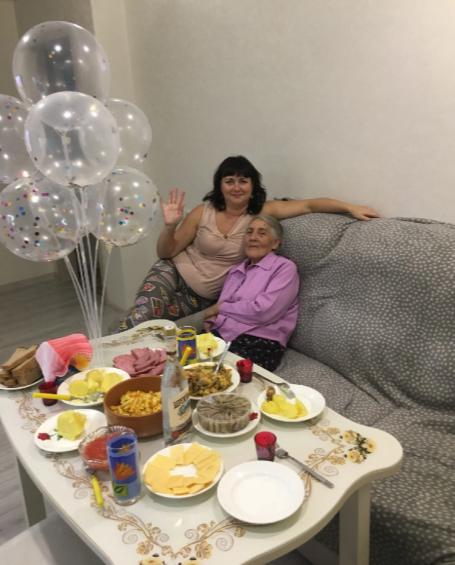 Бабушка-одуванчик или как я приручила соседку себе на беду