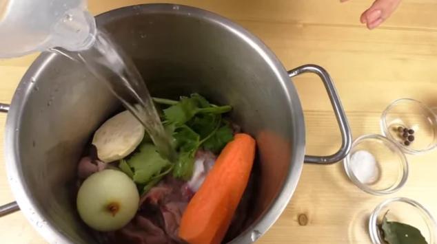 Желудочки заливаем водой