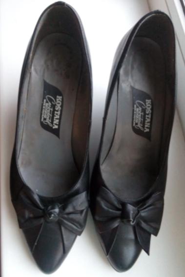 Свекровь подарила мне свои югославские туфли из 80-х