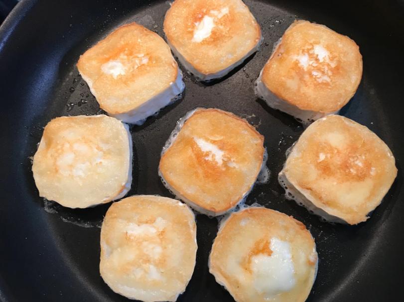Обжарить сыр