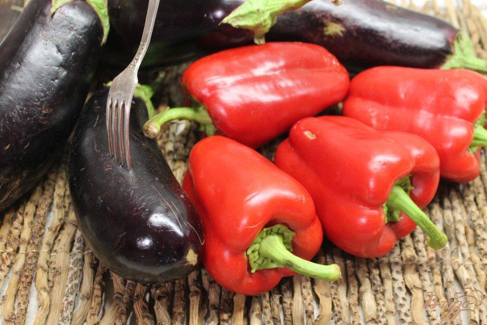 Богатый урожай перцев и баклажанов