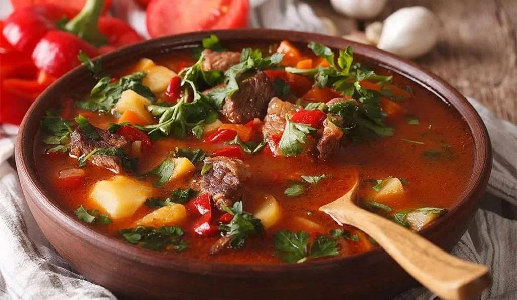 Вкусный и простой венгерский суп для вашего стола